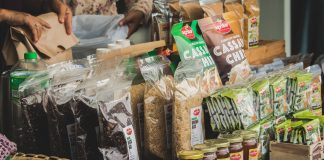 Benefits of Using Plastic Bags for Food Packaging